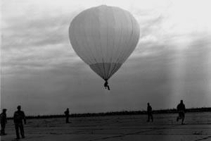 1960: il primo storico volo di Ed Yost con un moderno pallone ad aria calda